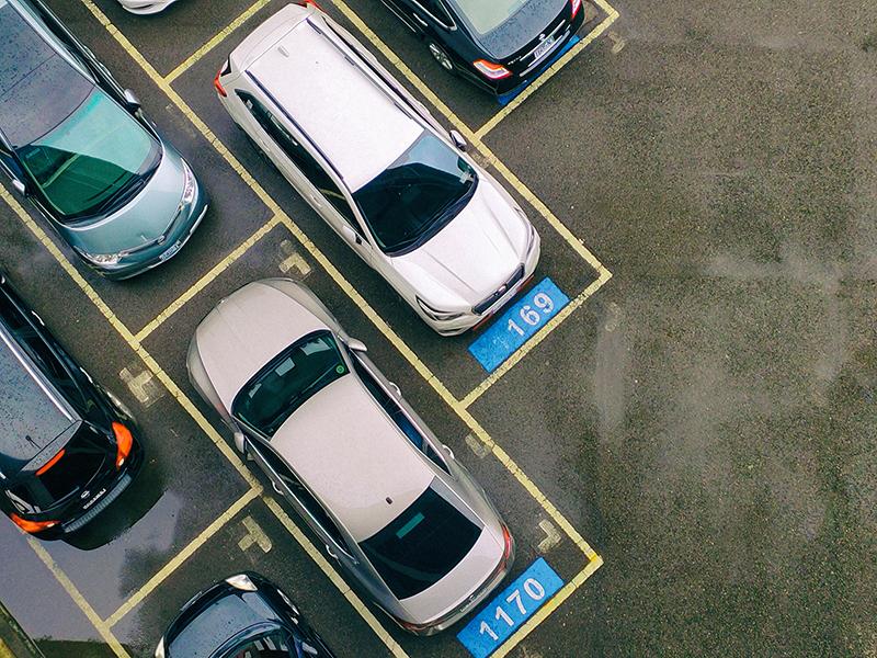 OPPO Reno攝影:停車場
